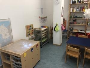 Leuchttisch im Raum der Forscherwerkstatt
